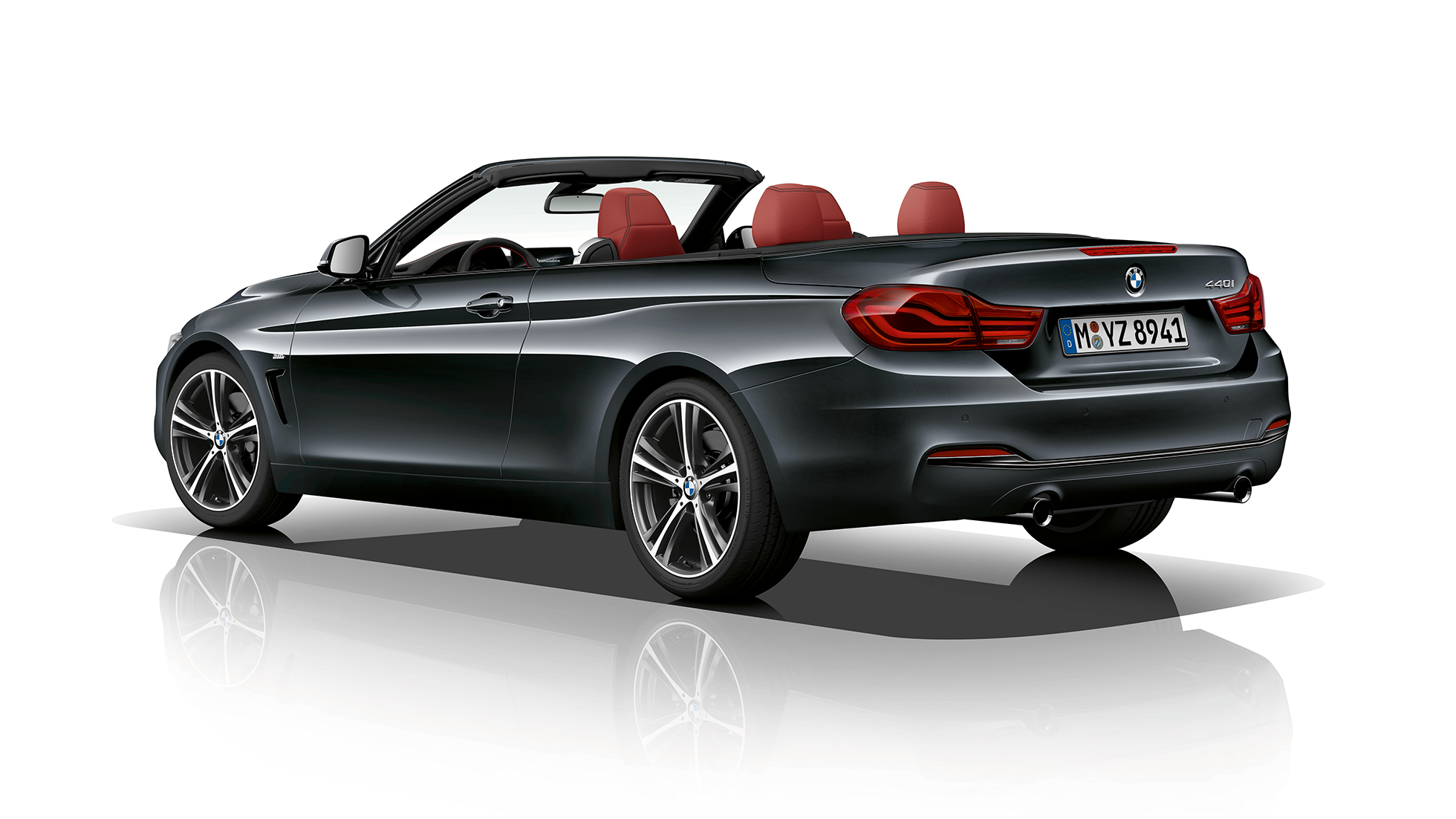 BMW 4 Series Convertible, Model Sport Line three-quarter rear shot